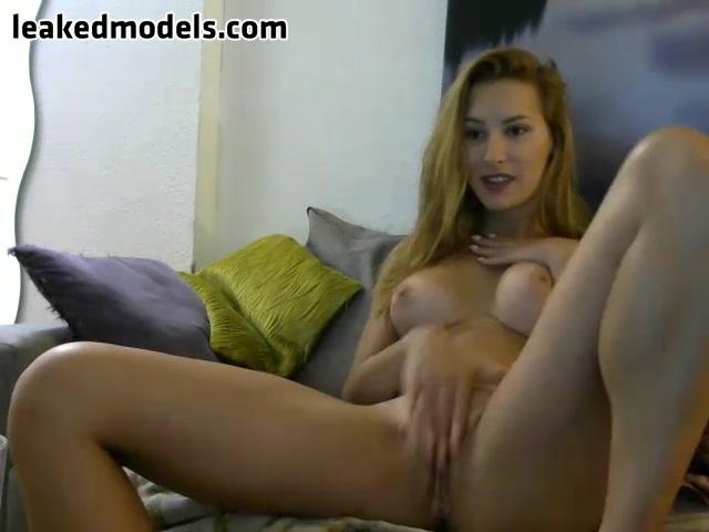 Lidia-Dulce Webcam Leaked Show (8 photos + 1 video)