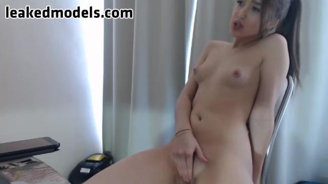 Mini-Lili Webcam Leaked Show (8 photos + 1 video)