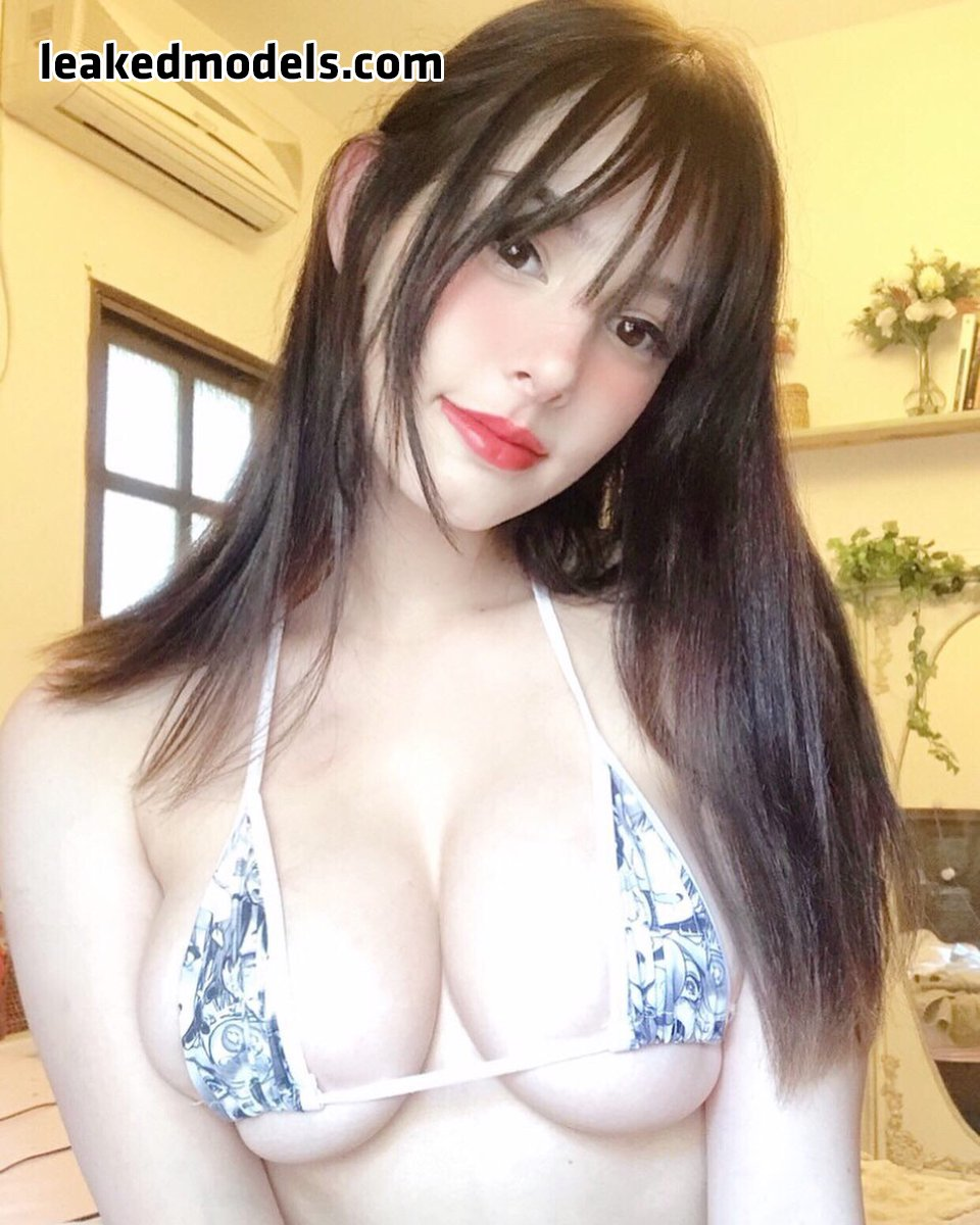 Aline Borinsky – _yumii17 Patreon Nude Leaks (25 Photos)