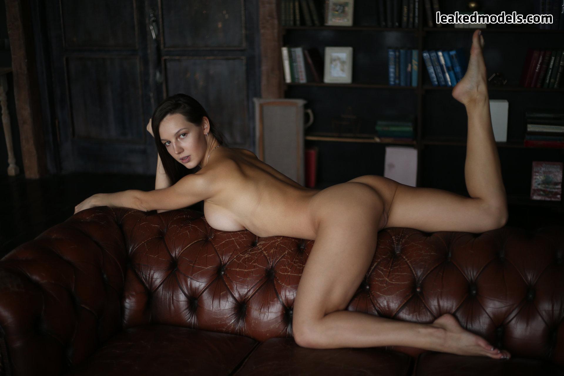 Elena – sweetelena – queenelenaa OnlyFans Nude Leaks (36 Photos)