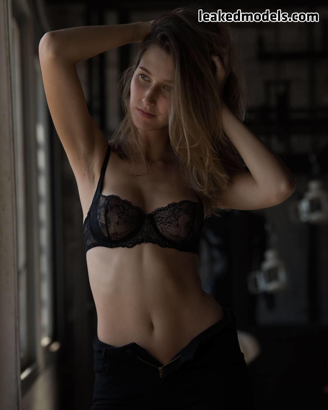 Elisa Fainblit – elisa_fain Instagram Nude Leaks (27 Photos)