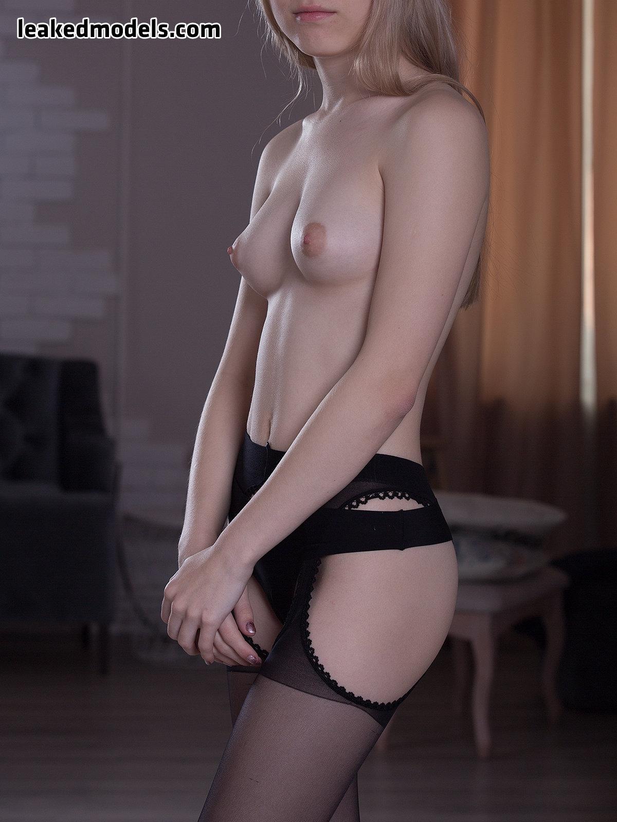 RareViktoriya – redr Patreon Nude Leaks (27 Photos)
