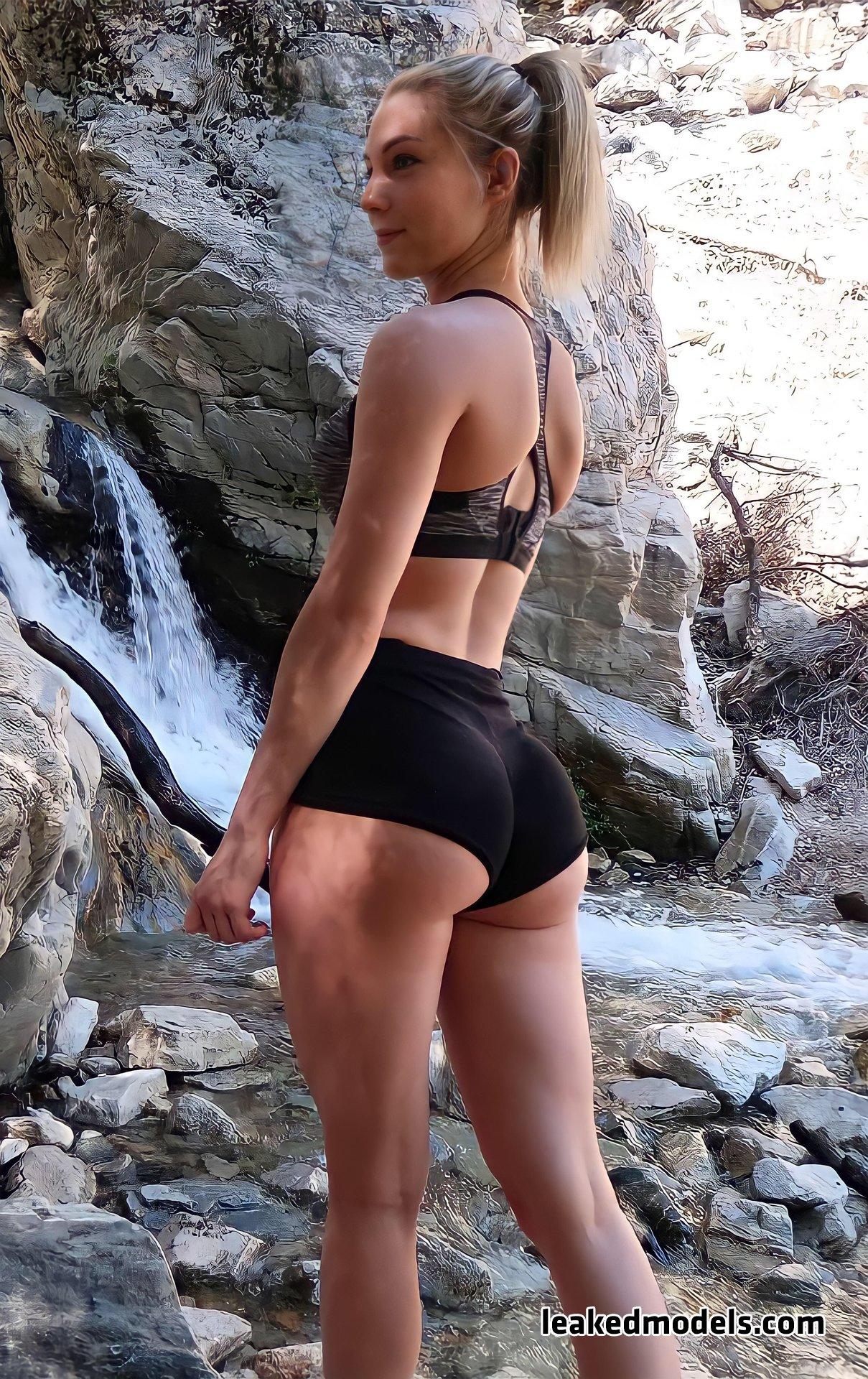 STPeach Instagram Sexy Leaks (35 Photos)