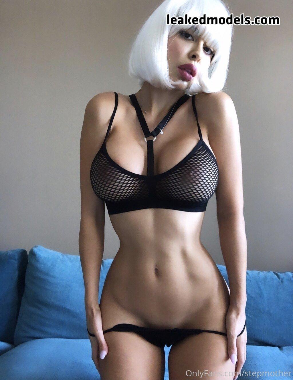 Zayla Skye – Stepmother OnlyFans Nude Leaks (25 Photos)