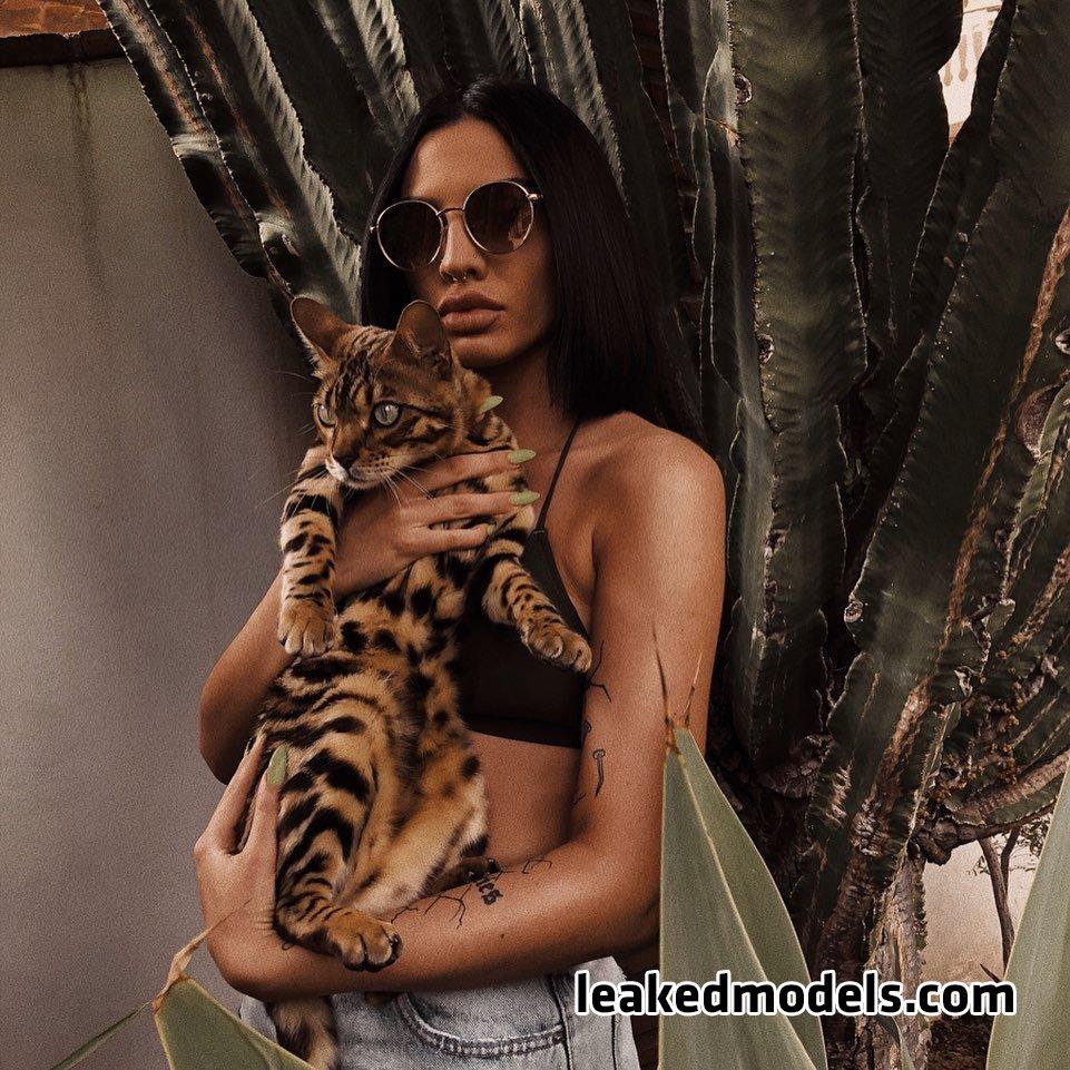 Mia – lauraamiaa OnlyFans Nude Leaks (40 Photos)