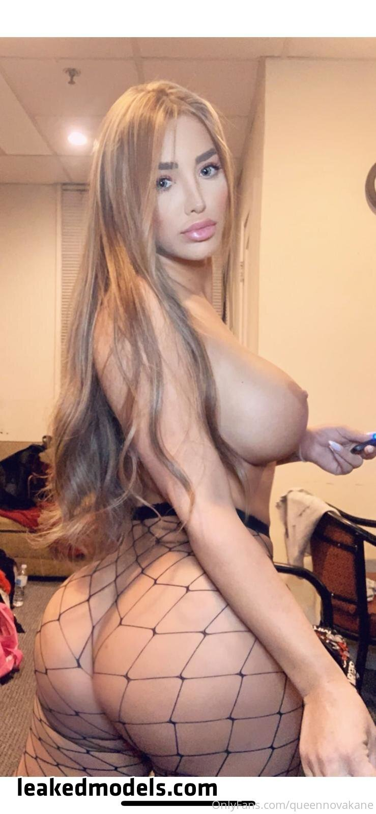 queennovakane OnlyFans Nude Leaks (35 Photos)