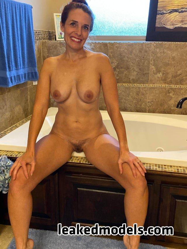 Bcflyers2016 – HotWifeinOk OnlyFans Nude Leaks (8 Photos)