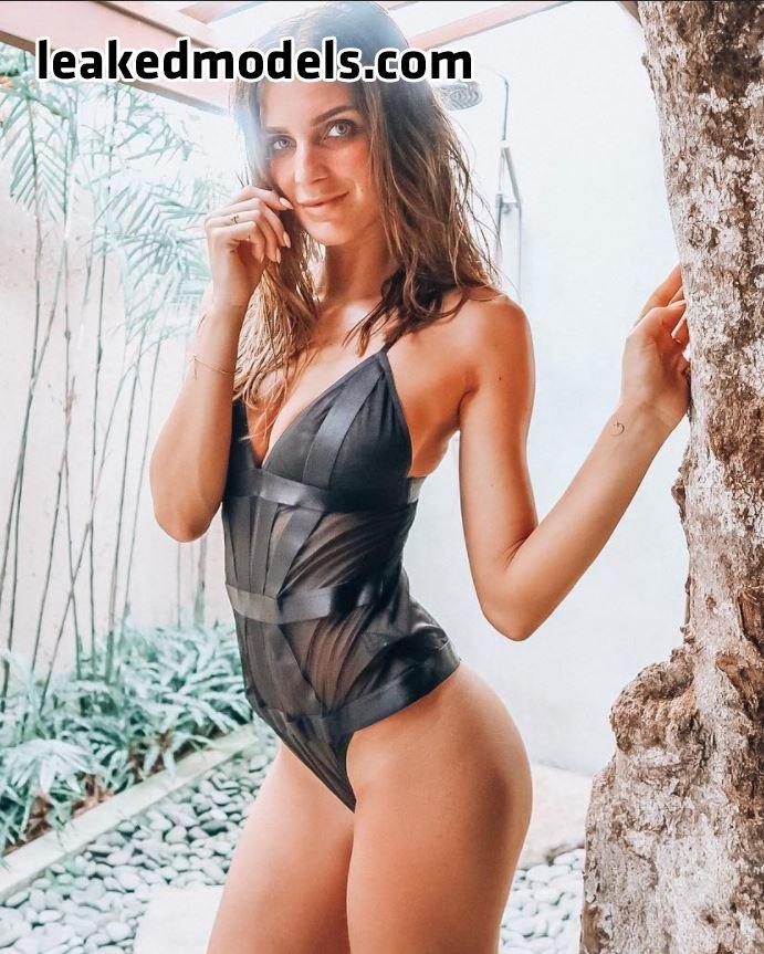 Celineschh Instagram Sexy Leaks (18 Photos)