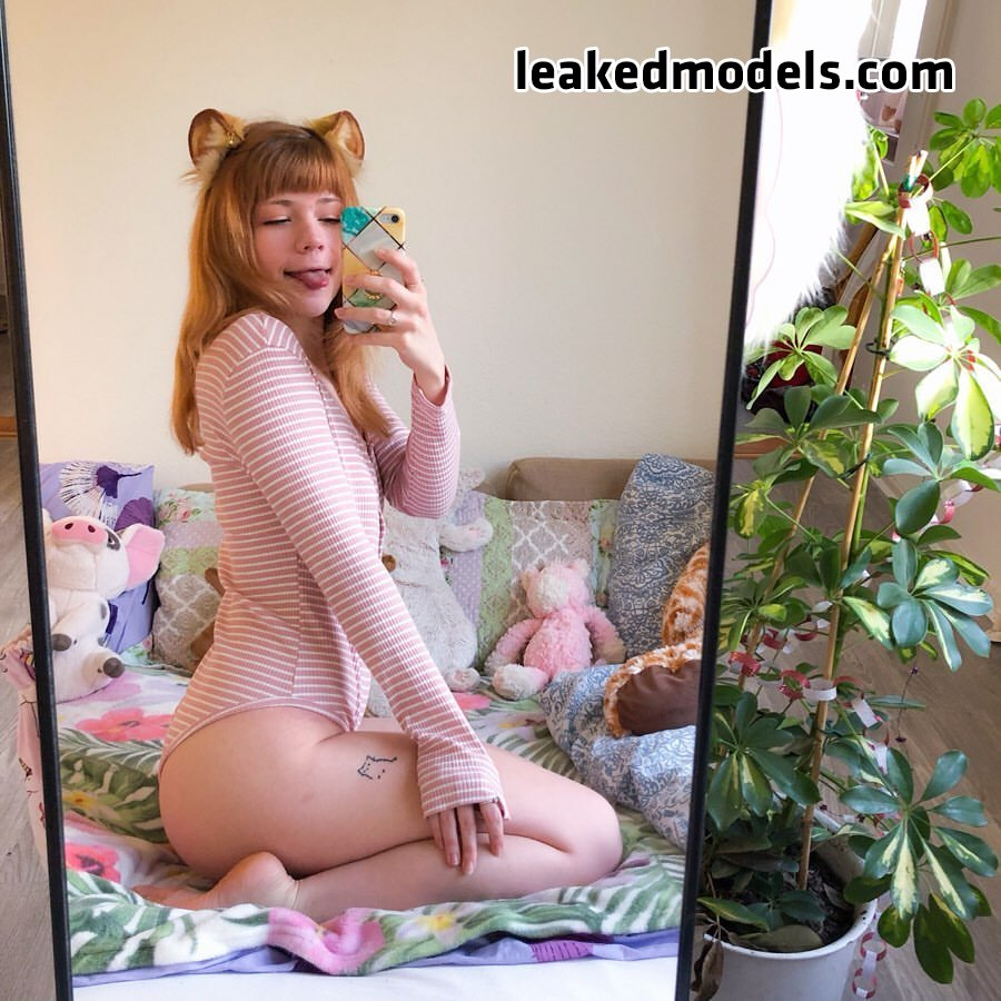 Chickpii or Lilsolle Instagram Sexy Leaks (25 Photos)